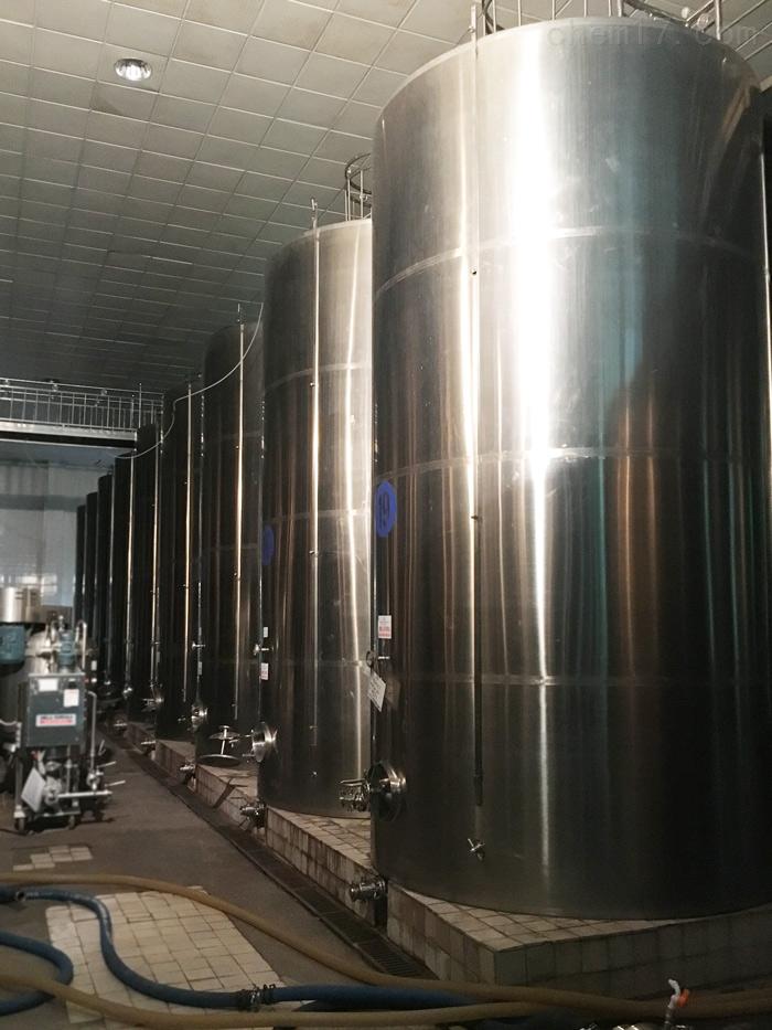 八成新8000升8立方二手保温加热储罐转让