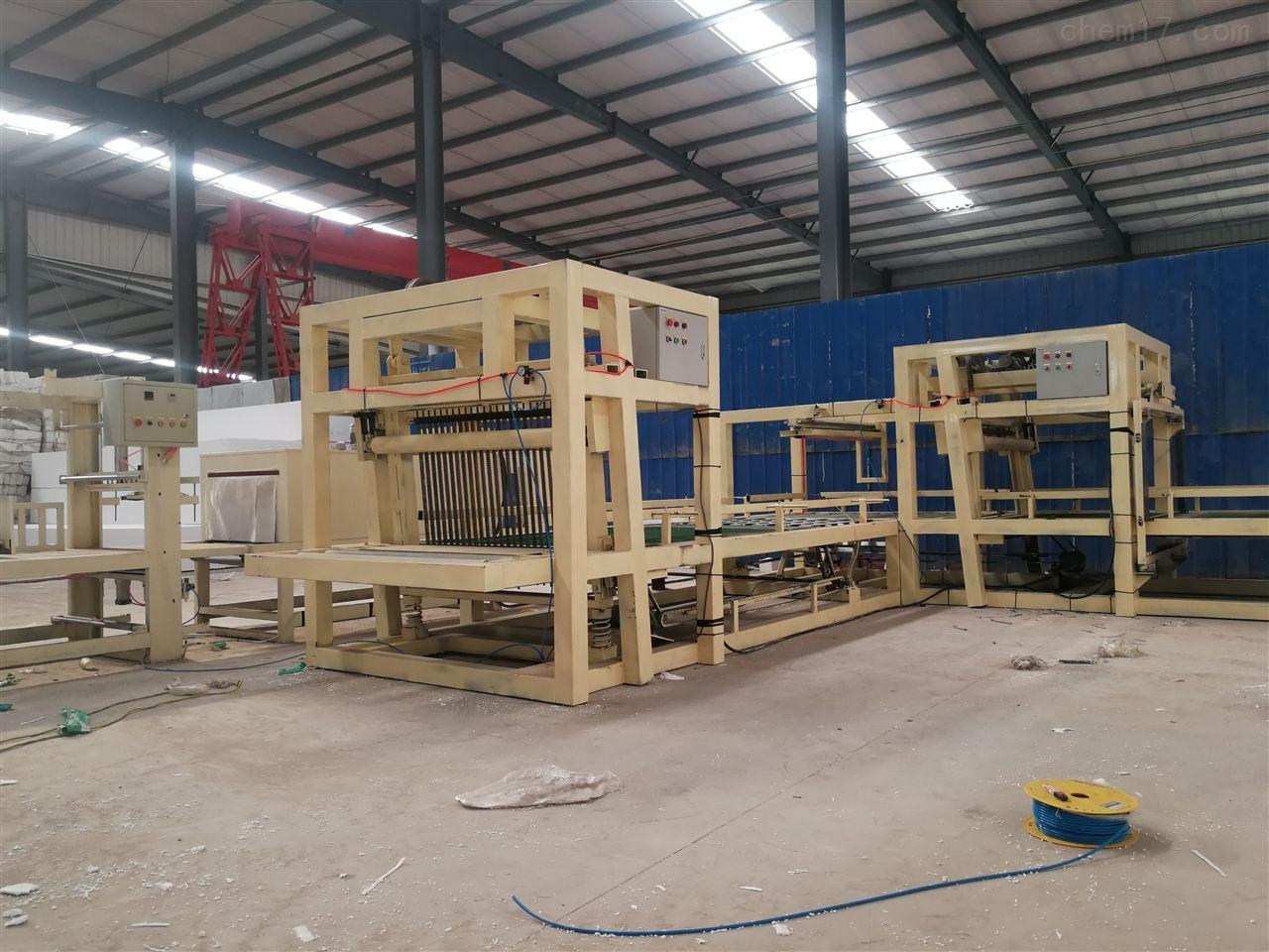 新款压制型匀质板设备高速切割锯产量高