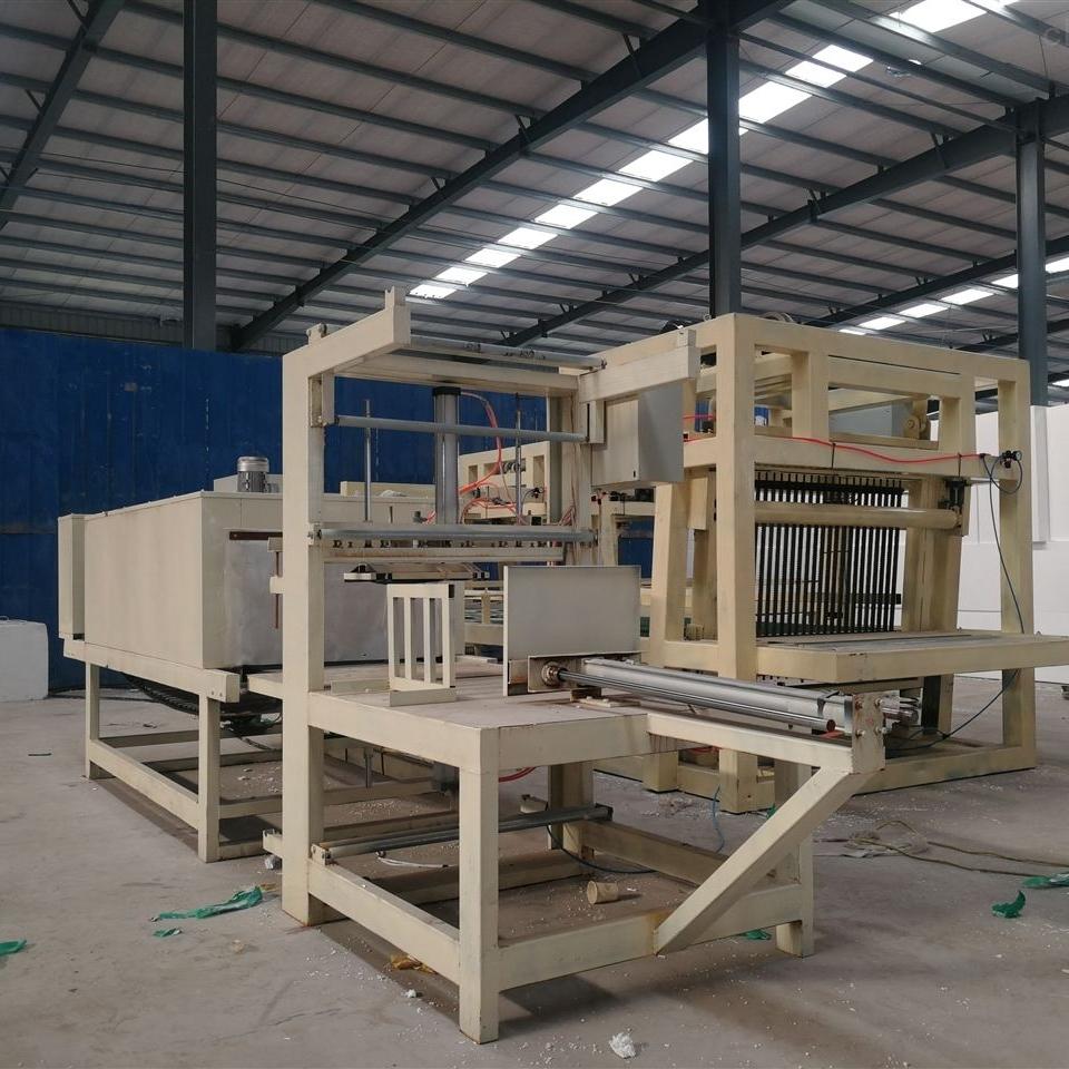 压制型高配匀质保温板切割锯设备生产商