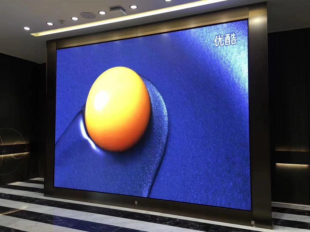 亮度及可视角度室内全餐饮的彩屏要在800cd/m2以上,室外全亮度的彩屏调研设计亮度图片